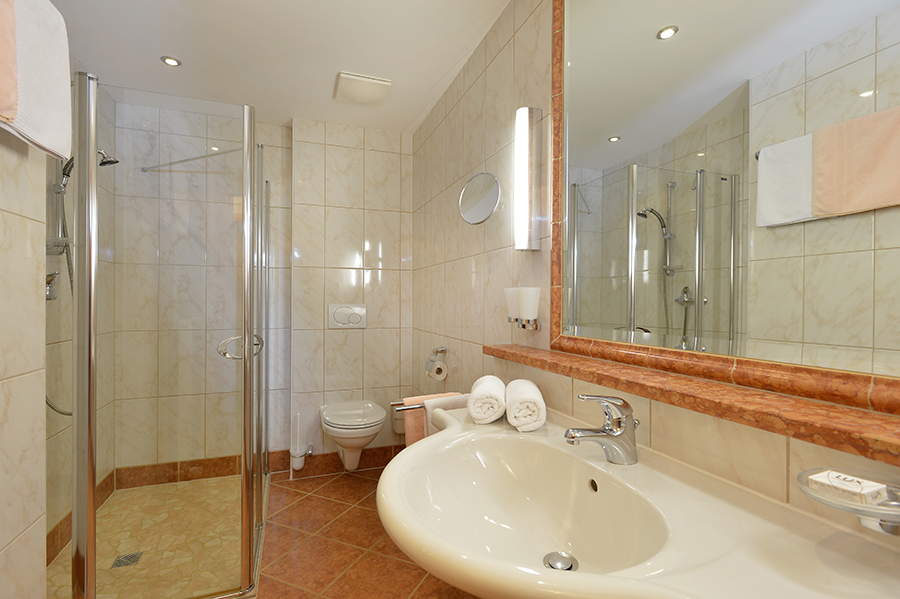 tl_files/Bilder/Bilder-Appartement/Appartement-2-Morgenrot-Badezimmer.jpg